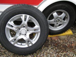 """Nyt 15"""" dæk- og alufælge"""