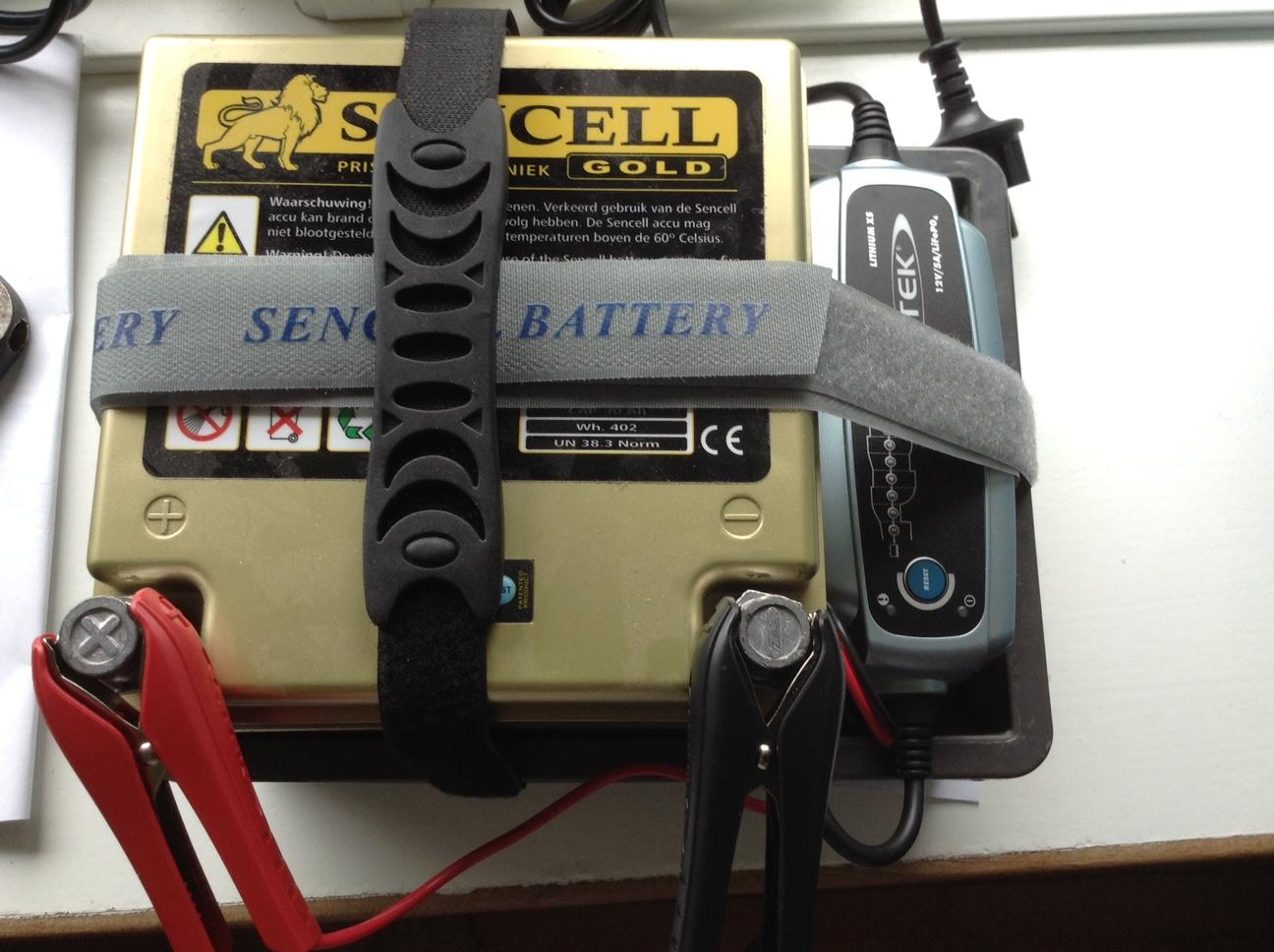 30 Ah litíum LiFePO4 batteri Med (BMS).