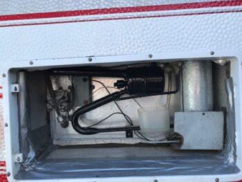 Tætning bag ved køleskab